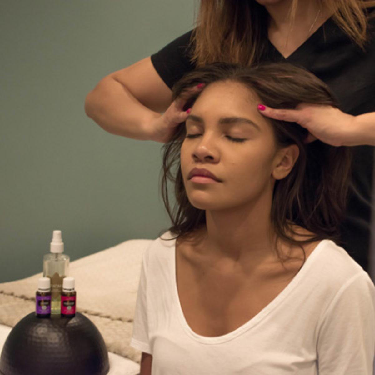 champissage-massage uplift spa woman